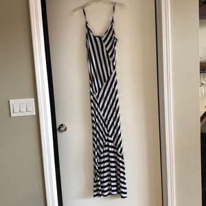 Monteau Los Angeles Maxi Dress